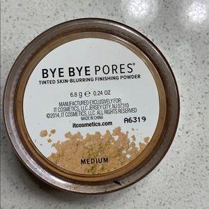 it cosmetics Makeup - IT Cosmetics Bye Bye pores finishing powder